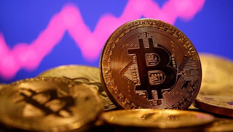 Bitcoin'de yeni zirve: 56 bin doları aştı