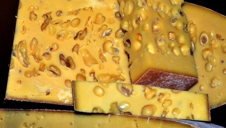 <span>Sezonun ilk gravyer peyniri tezgahlarda yerini aldı</span>
