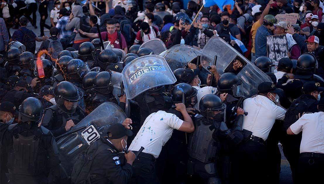 Guatemala'da hükümetin 2021 bütçesi protesto edildi