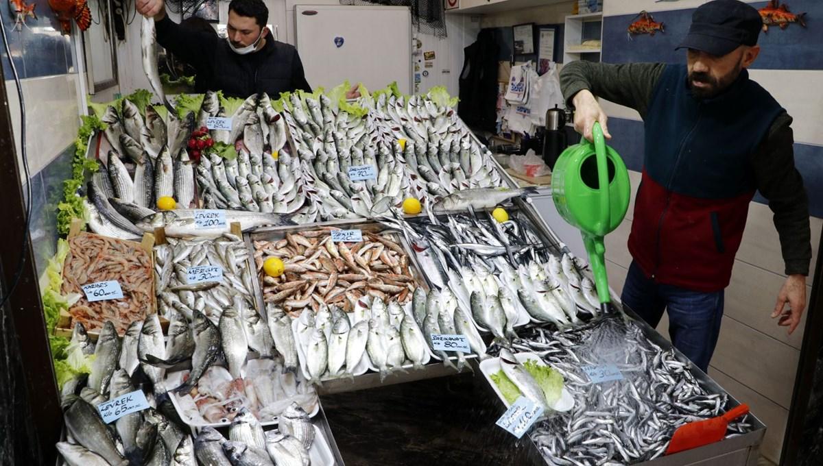 'Denizlerin prensi' lüferin kilosu 100 liraya düştü