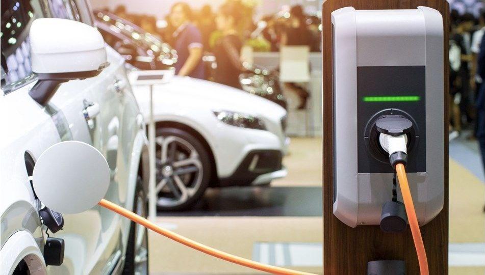 Shell, İngiltere'nin en büyük elektrikli araç şarj ağını satın aldı